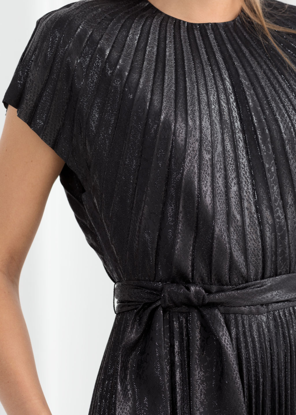 Model back image of Stories metallic pleated maxi dress in black