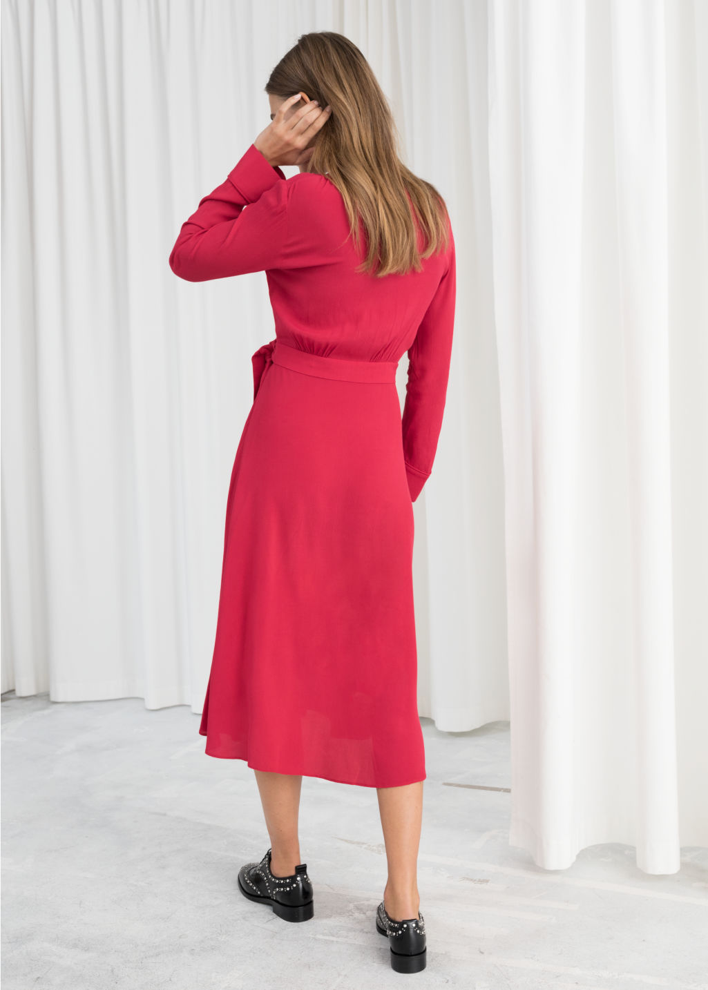 Model back image of Stories midi wrap dress in red