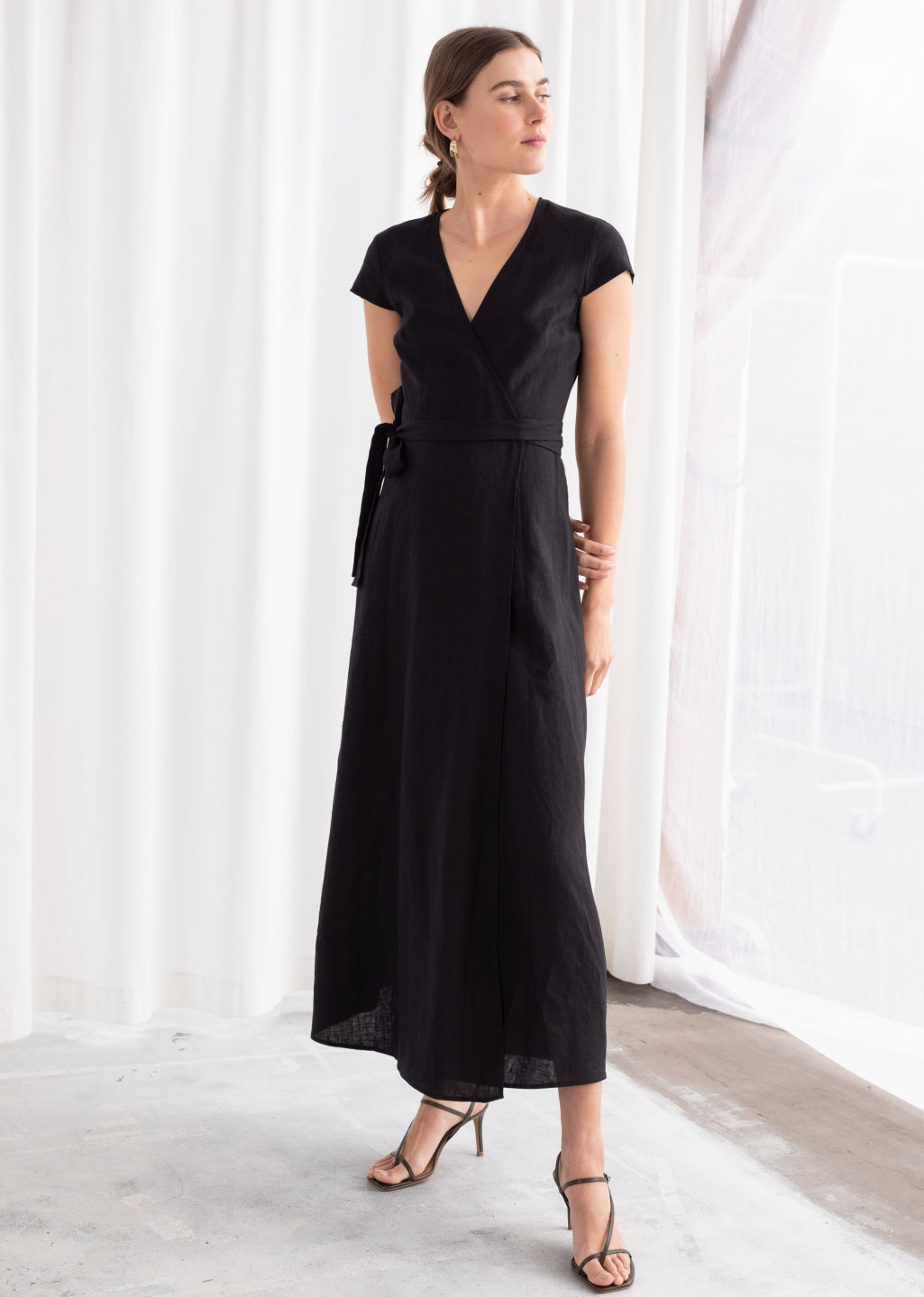 Linen Midi Wrap Dress - Black - Midi dresses -   Other Stories