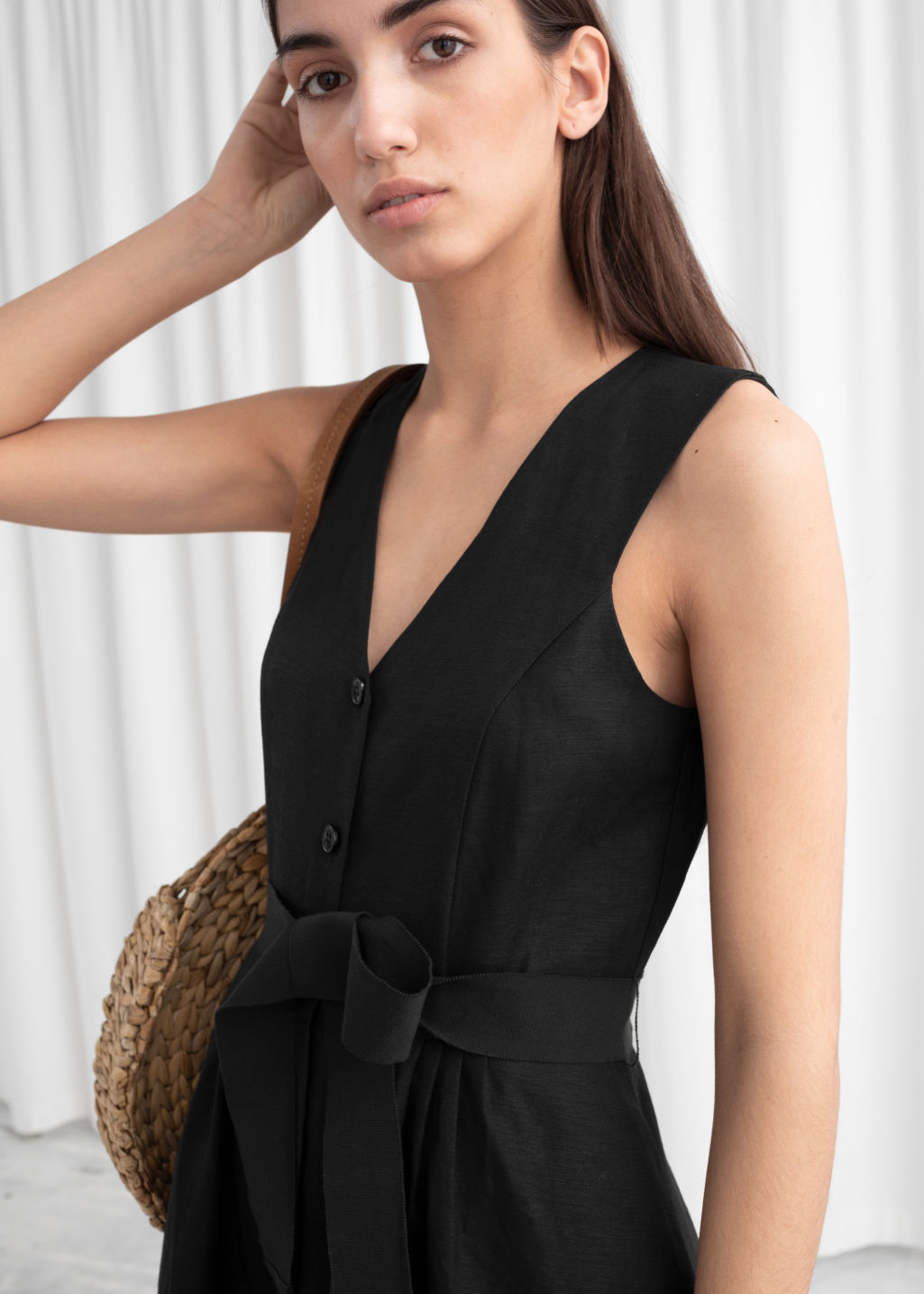Model back image of Stories belted linen blend midi dress in black