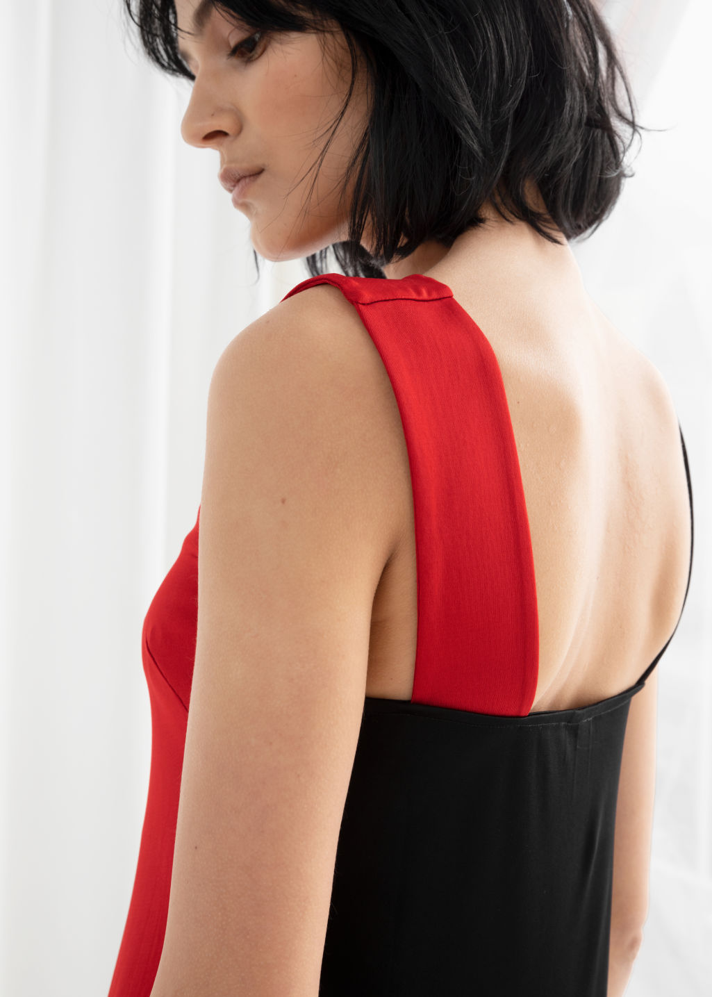 Model back image of Stories colour block midi dress in red