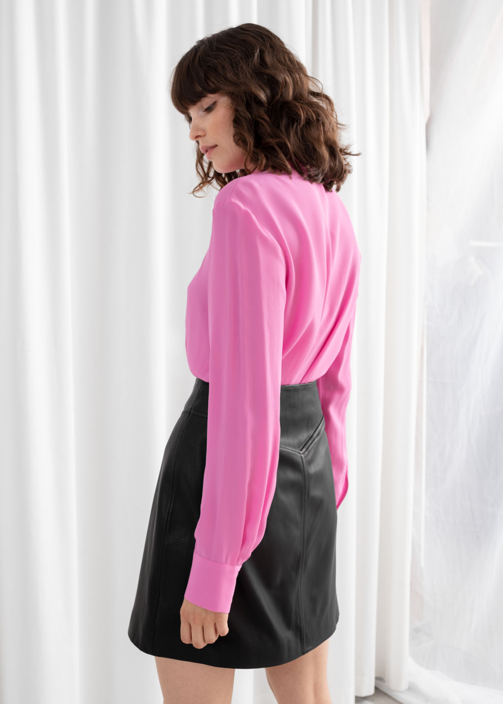 Model back image of Stories satin pussy bow blouse in pink