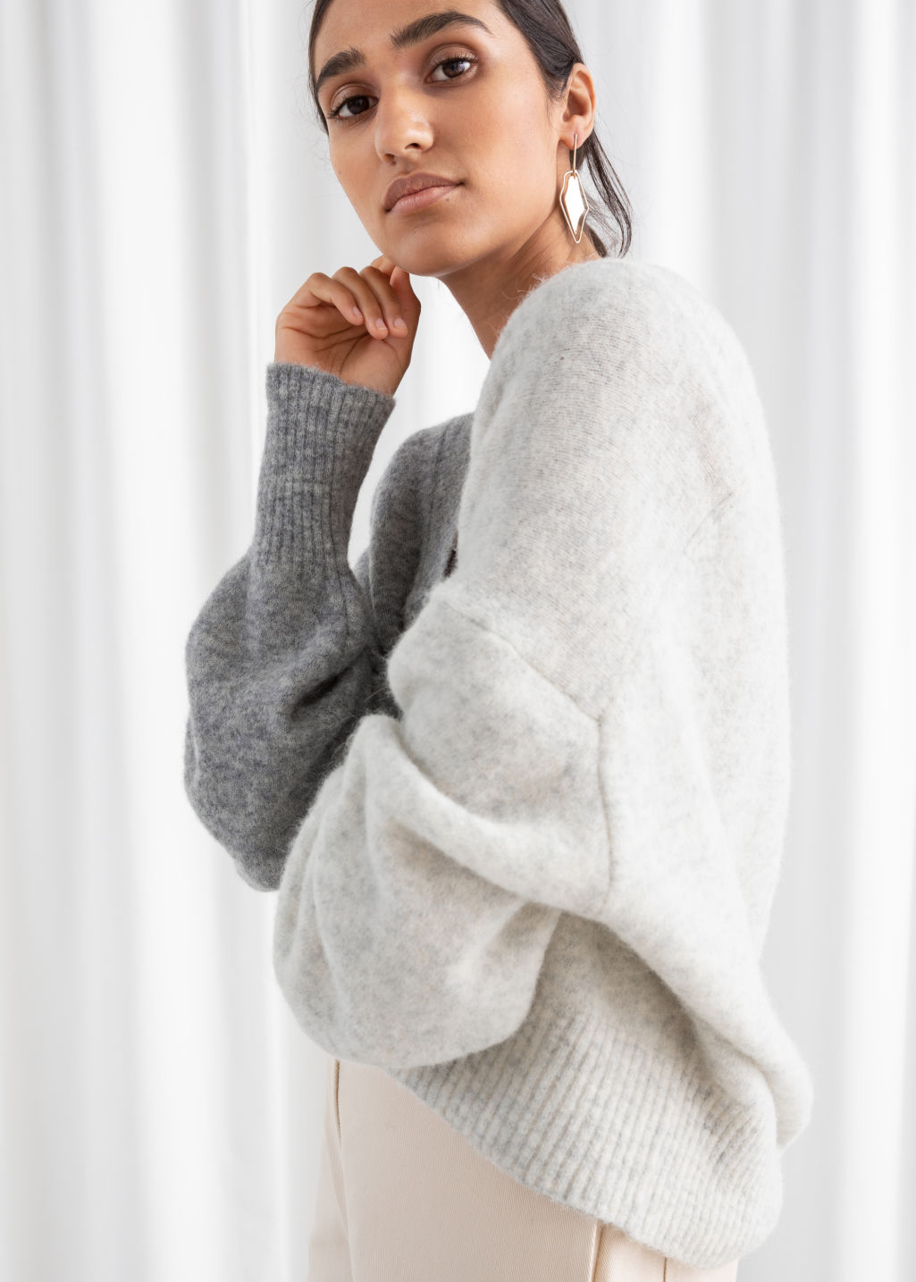 Model front image of Stories colour block v-neck sweater in white
