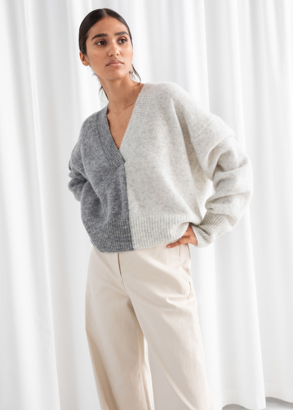 Model back image of Stories colour block v-neck sweater in white