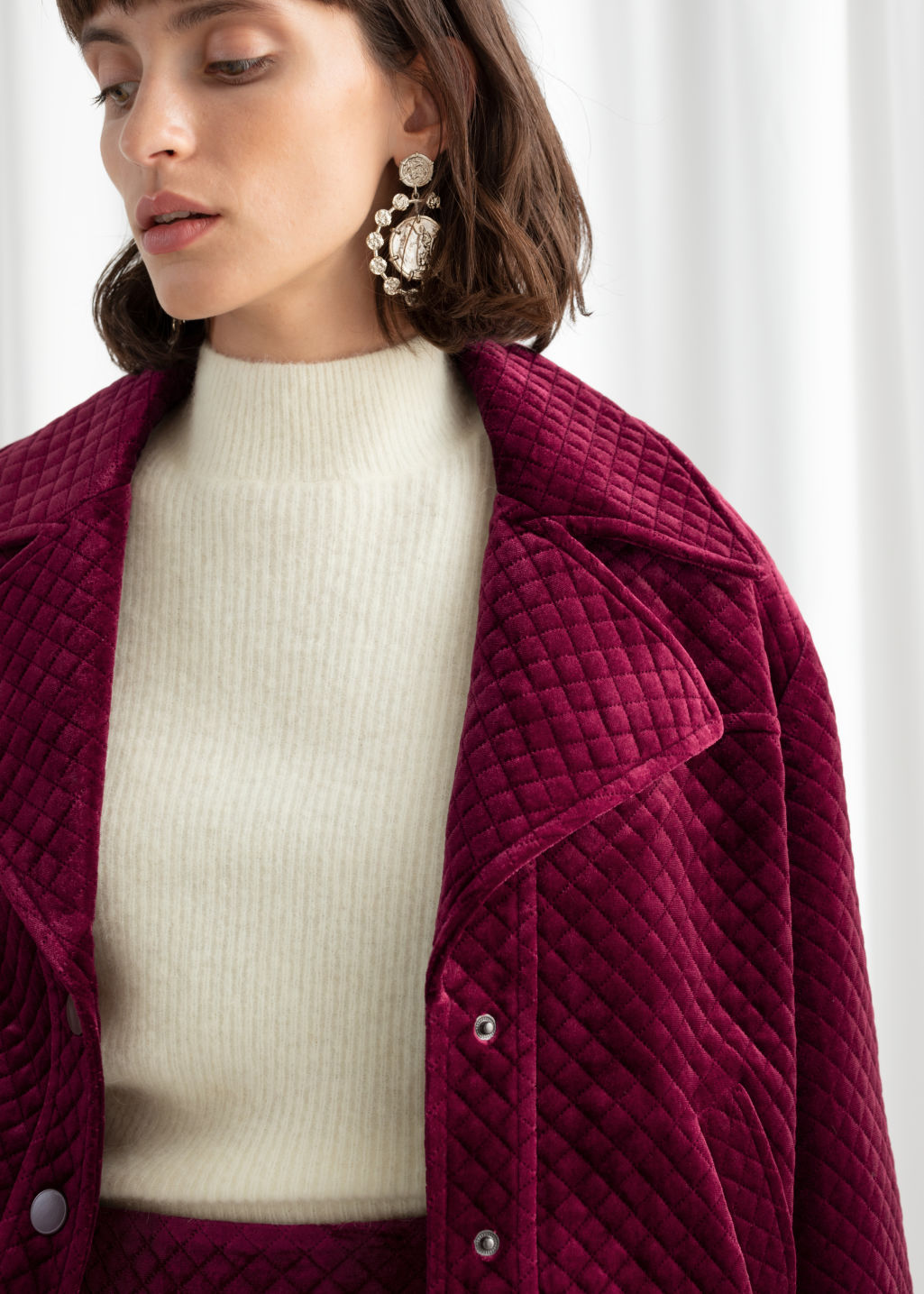Model front image of Stories quilted velour jacket in pink