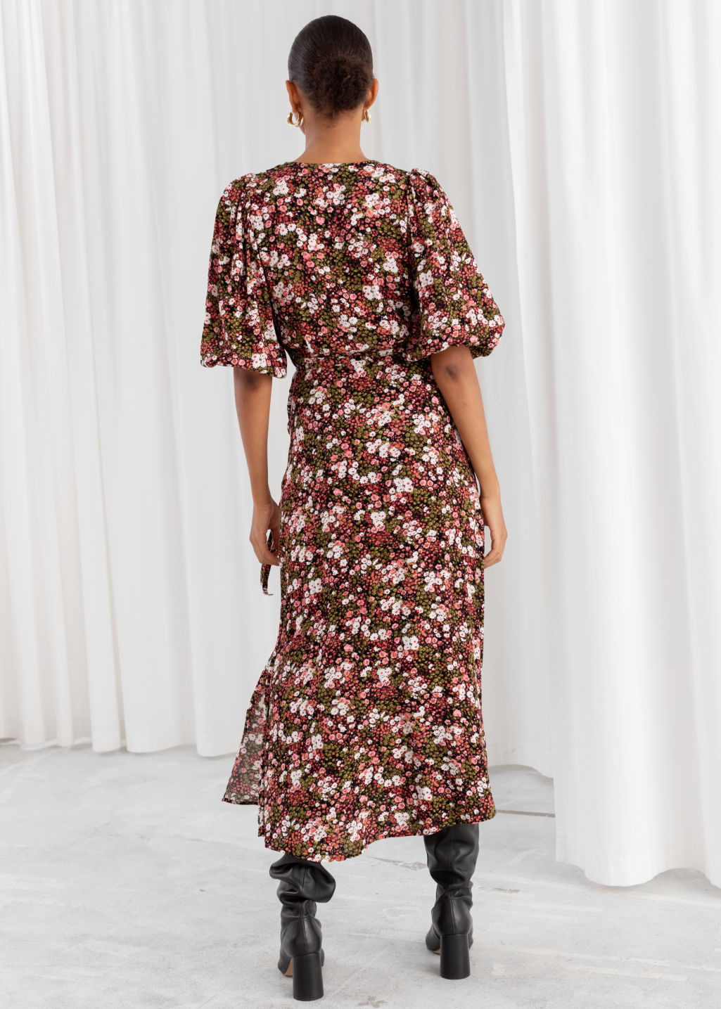 Model back image of Stories floral puff sleeve midi wrap dress in pink