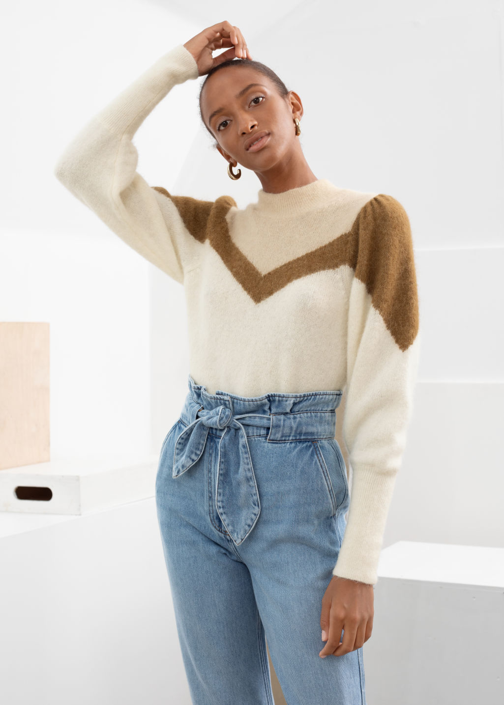 Model front image of Stories colour block puff sleeve sweater in white