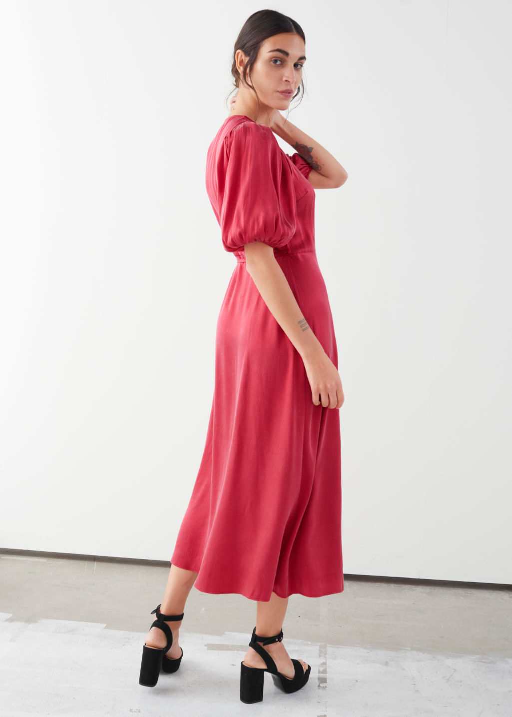 Model back image of Stories puff sleeve maxi wrap dress in red