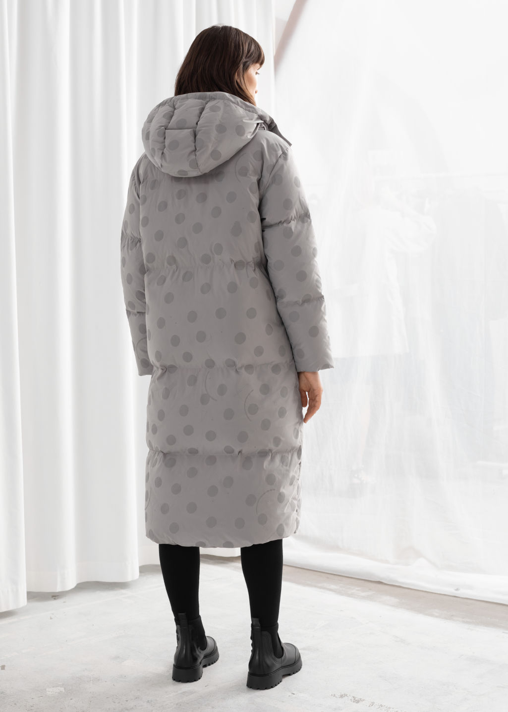 Model back image of Stories oversized polka dot puffer coat in grey