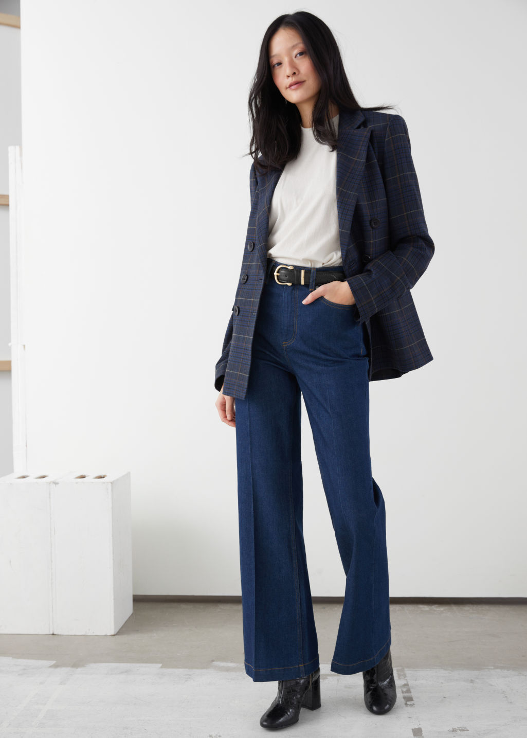 Model front image of Stories straight tailored jeans in blue