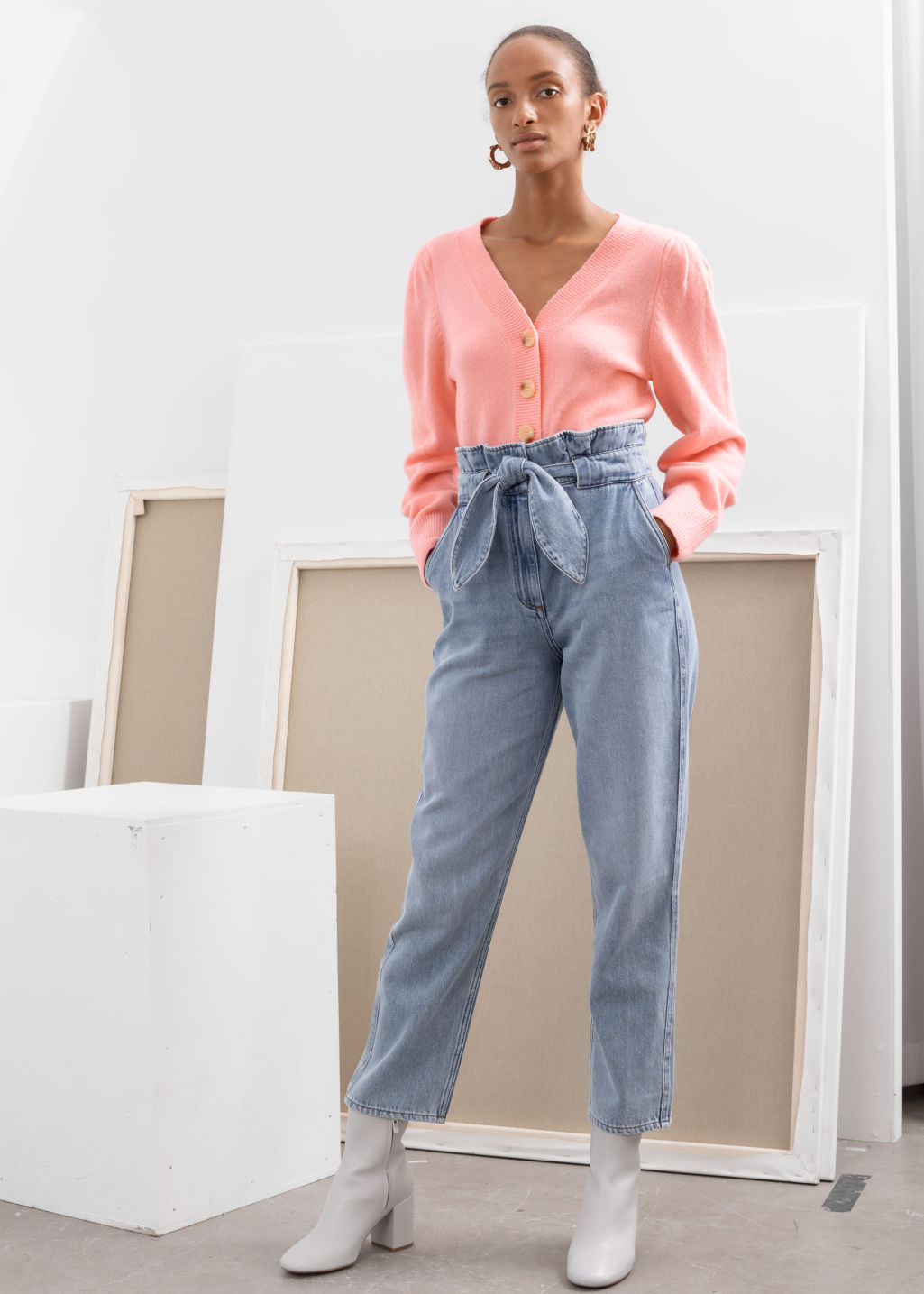 Model front image of Stories belted paperbag waist jeans in blue