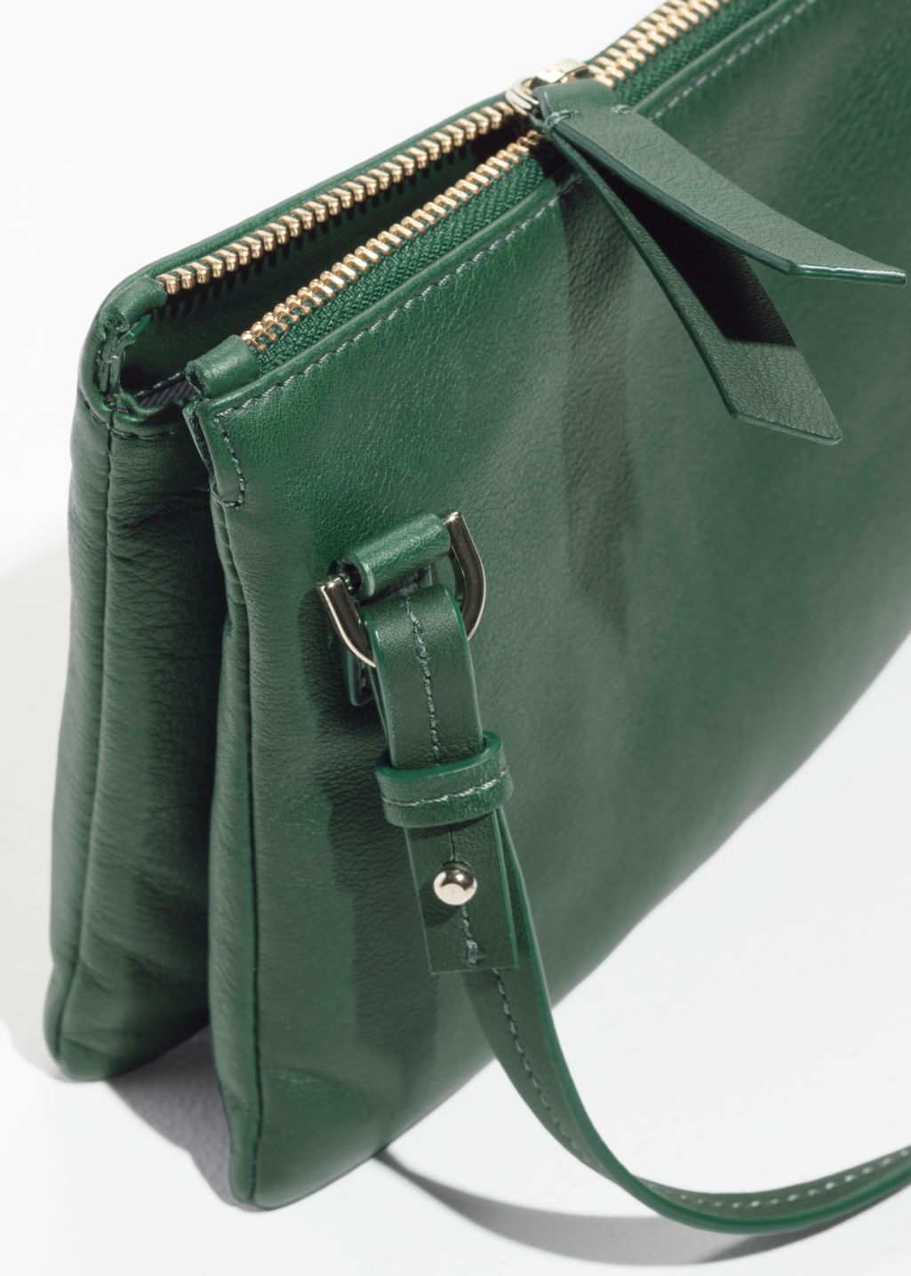 Back image of Stories d-ring crossbody bag in green