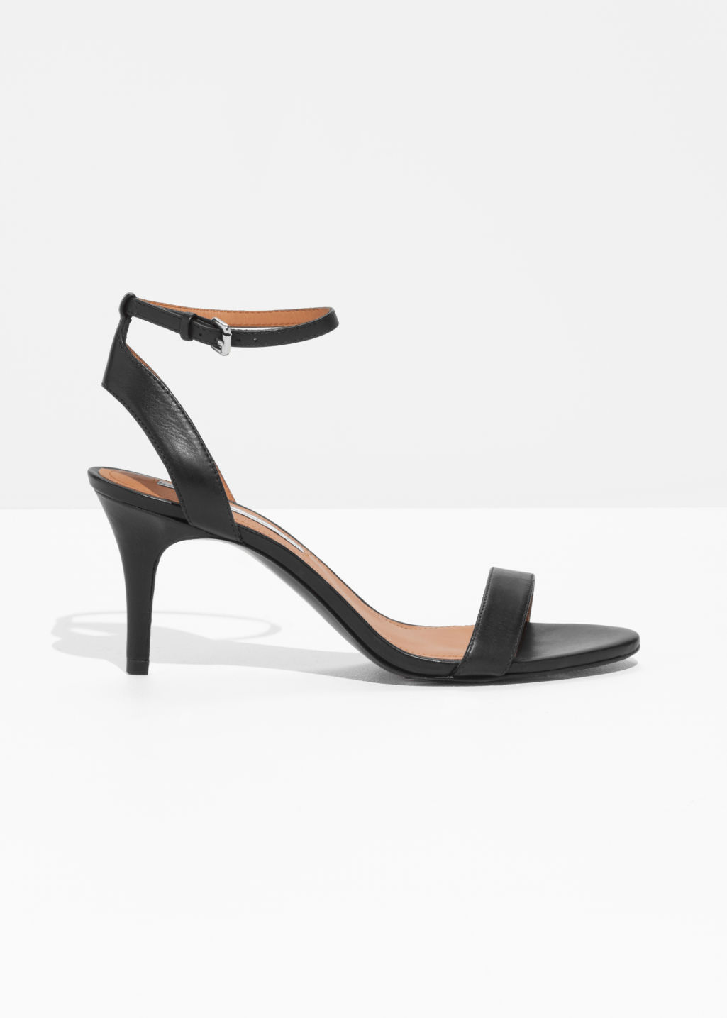 & OTHER STORIES Heel Strap Leather Sandals - Black En línea para la venta JcKD6Qh
