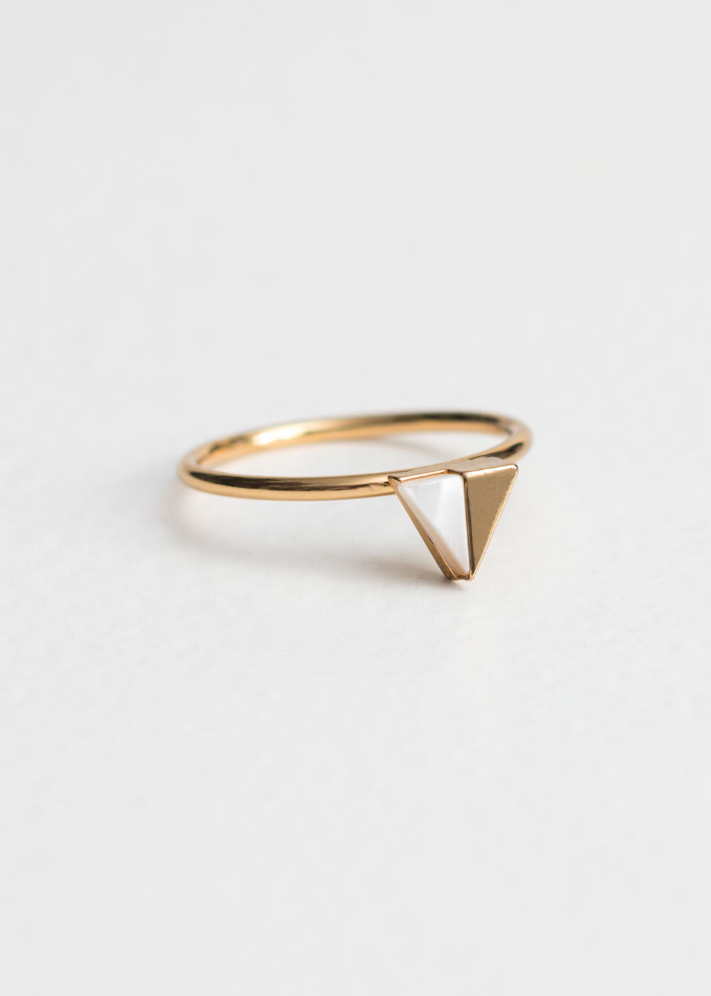 Front image of Stories duo triangle ring in white