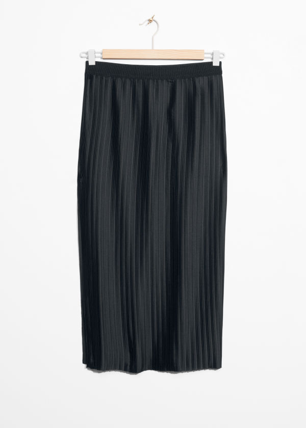 Pleated Slit Skirt