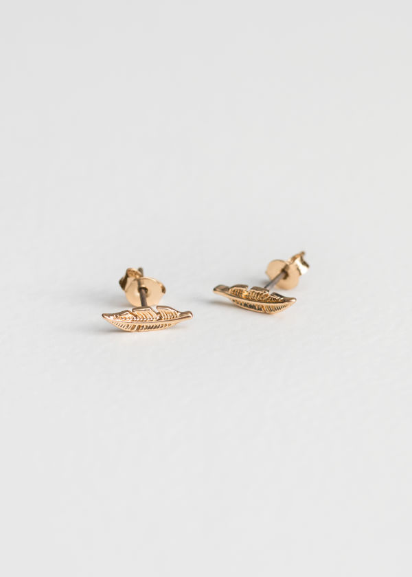 Front image of Stories leaf studs in gold