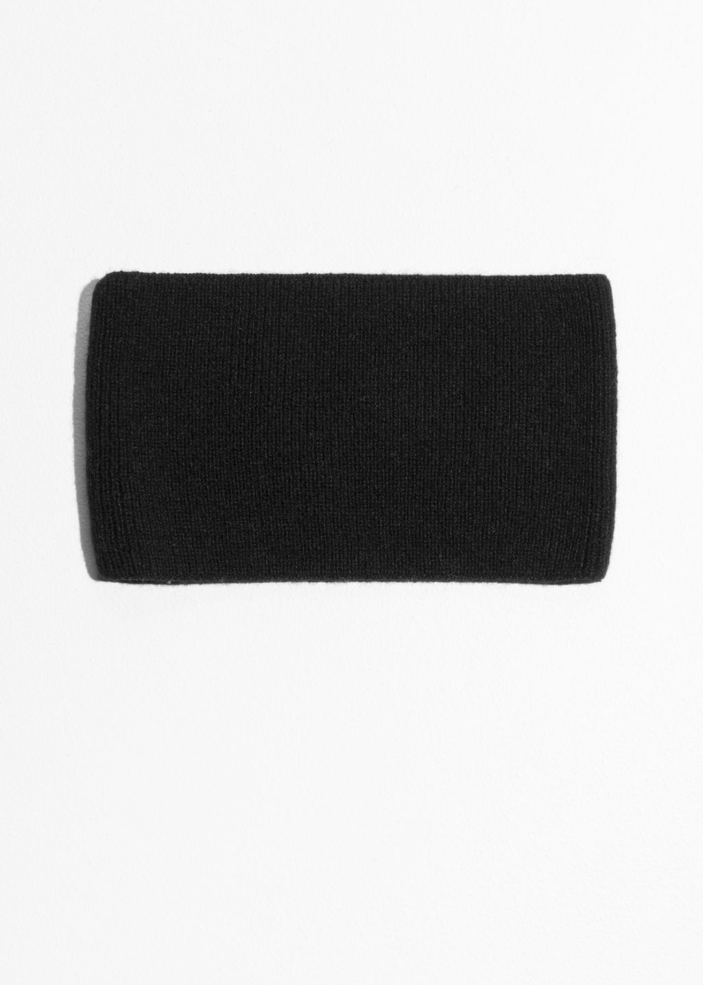 Front image of Stories cashmere collar in black