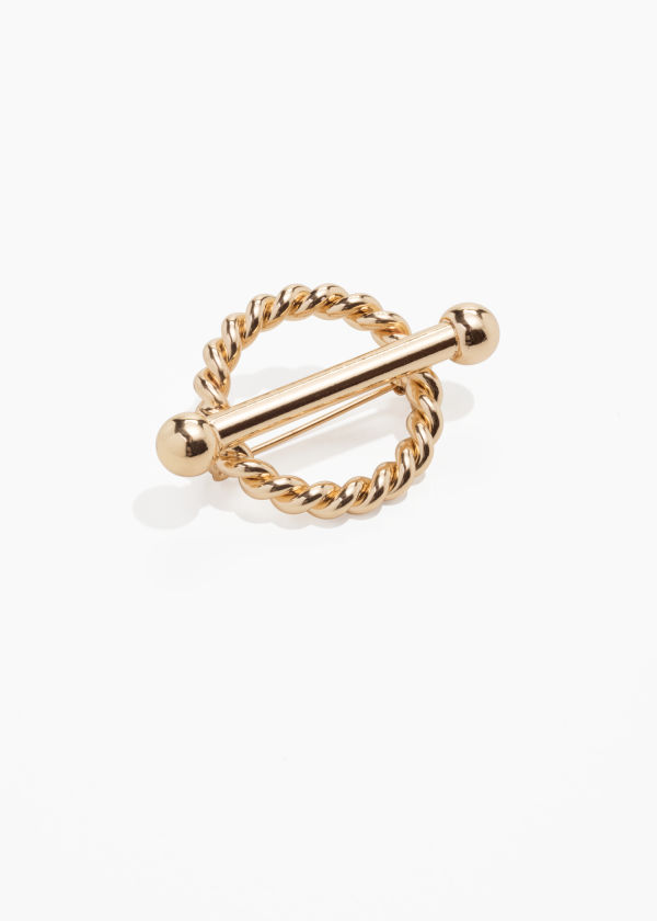 Twisted Circle Bar Brooch
