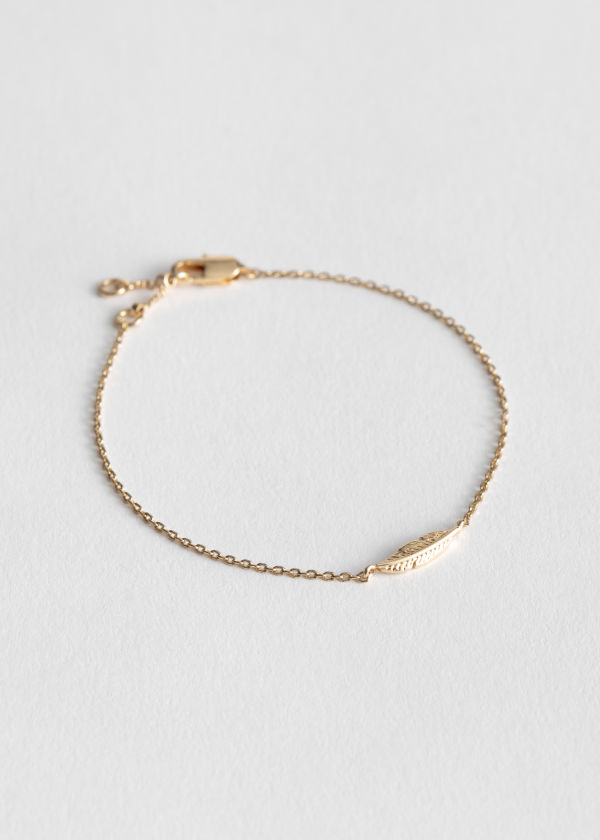 Front image of Stories leaf chain bracelet in gold