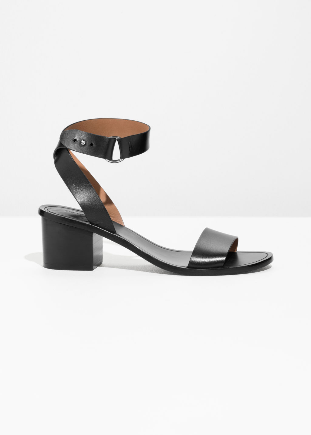 & OTHER STORIES Cross Ankle Strap Heeled Sandals 9zweJuSBy