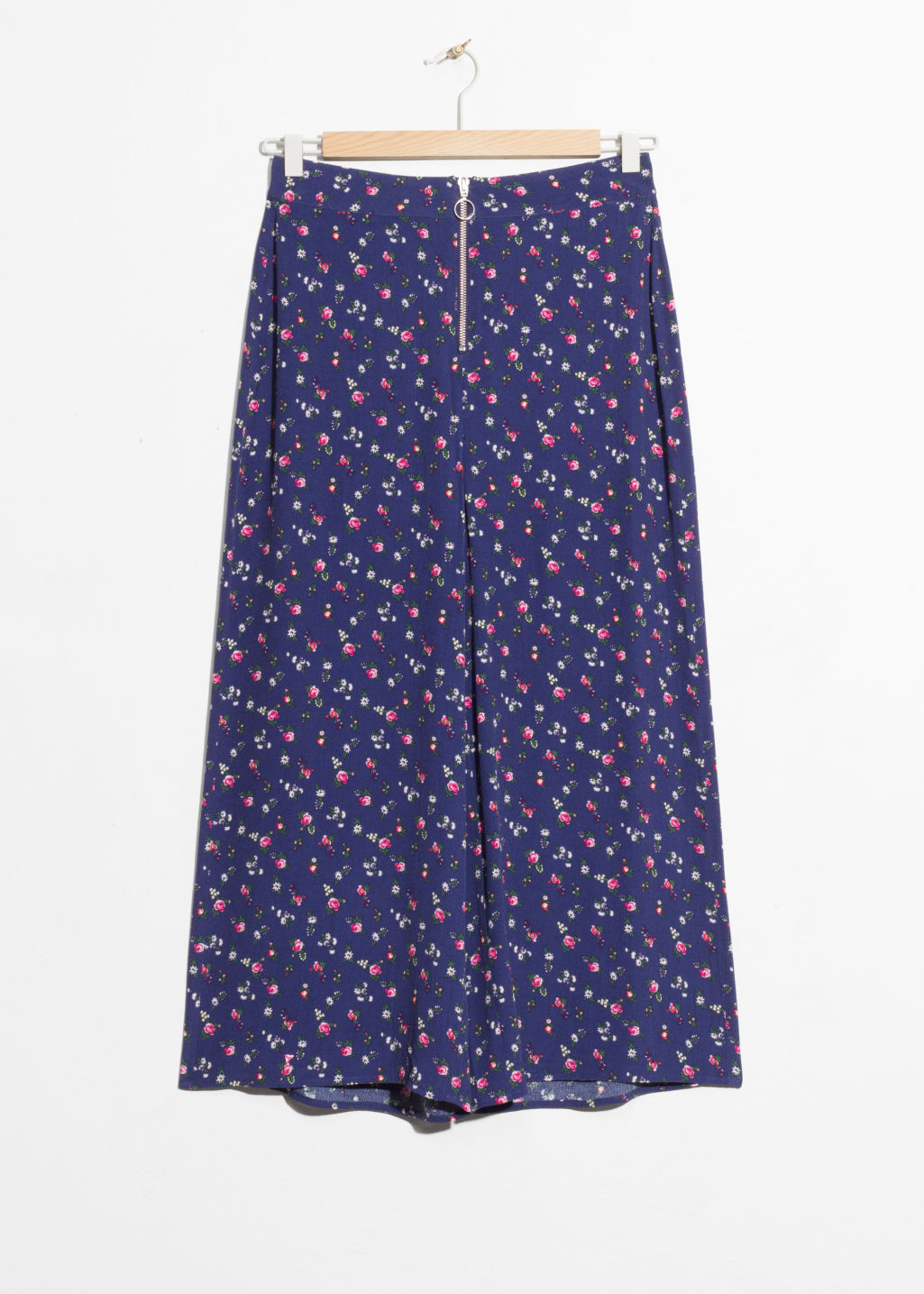 Front image of Stories o-ring zipper culottes in blue
