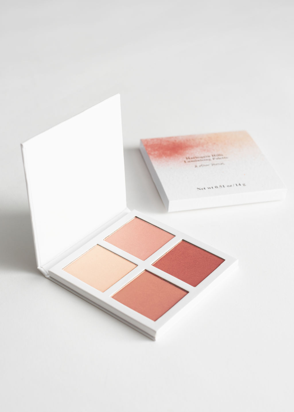 Front image of Stories luminising palette in red