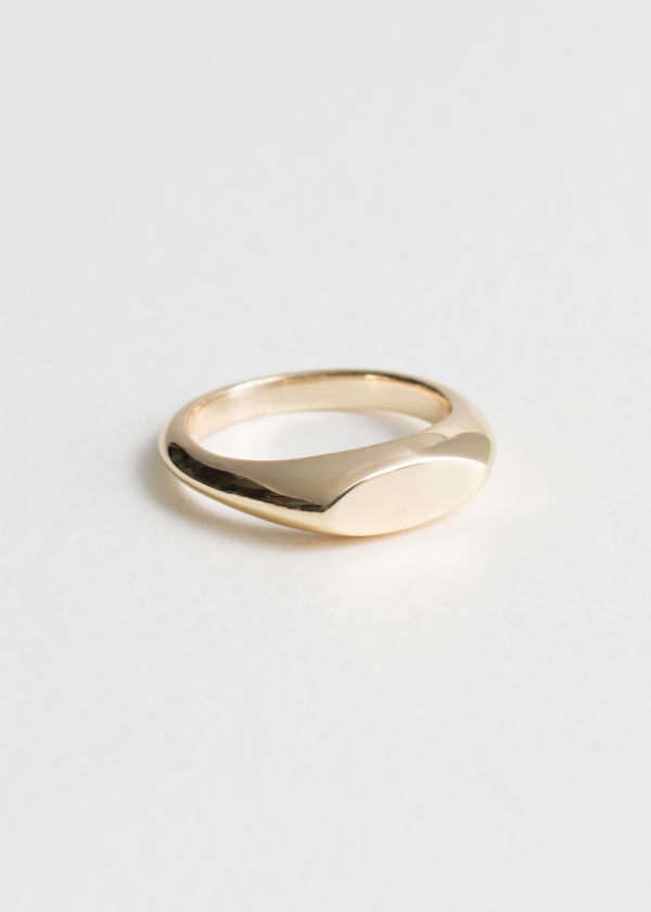 Oval Plateau Ring