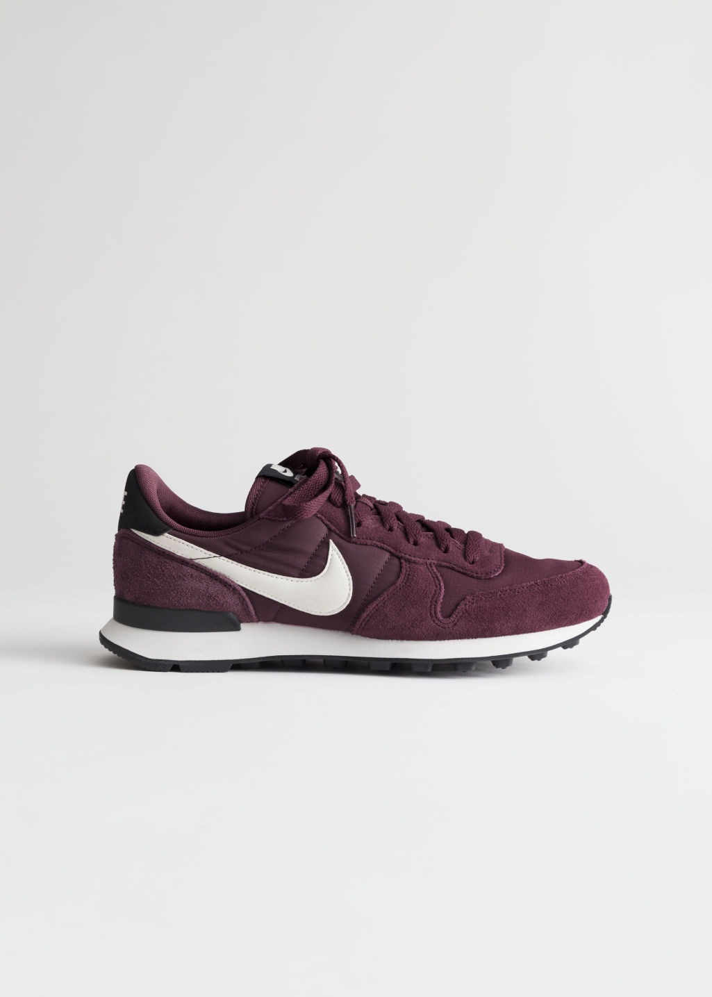 wholesale dealer 71c89 761ac Front image of Stories nike internationalist in red