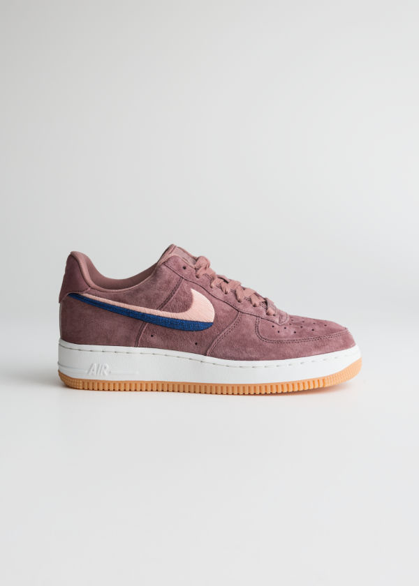 huge discount 93551 98a1d Nike Air Force 1 07 Lx ...