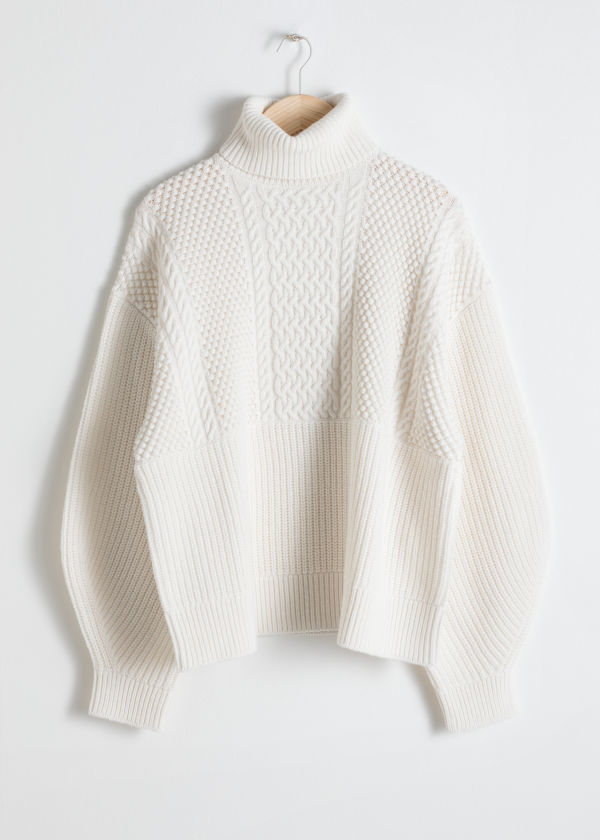 Oversized Cable Knit Turtleneck