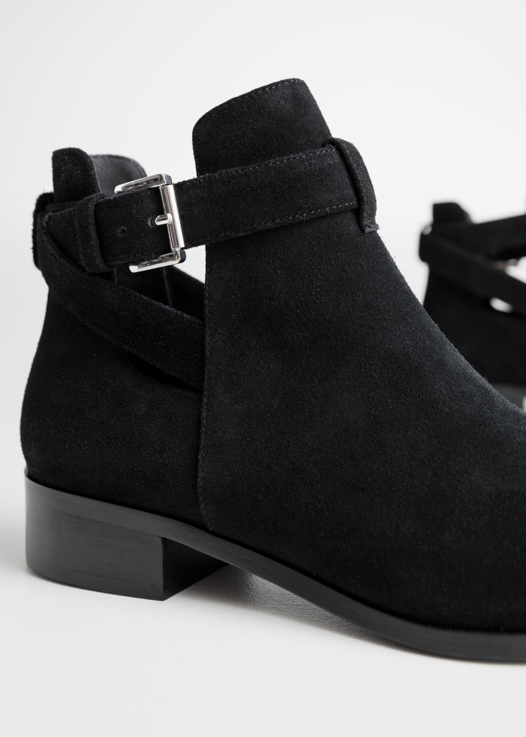 Back image of Stories cutout buckle chelsea boots in black