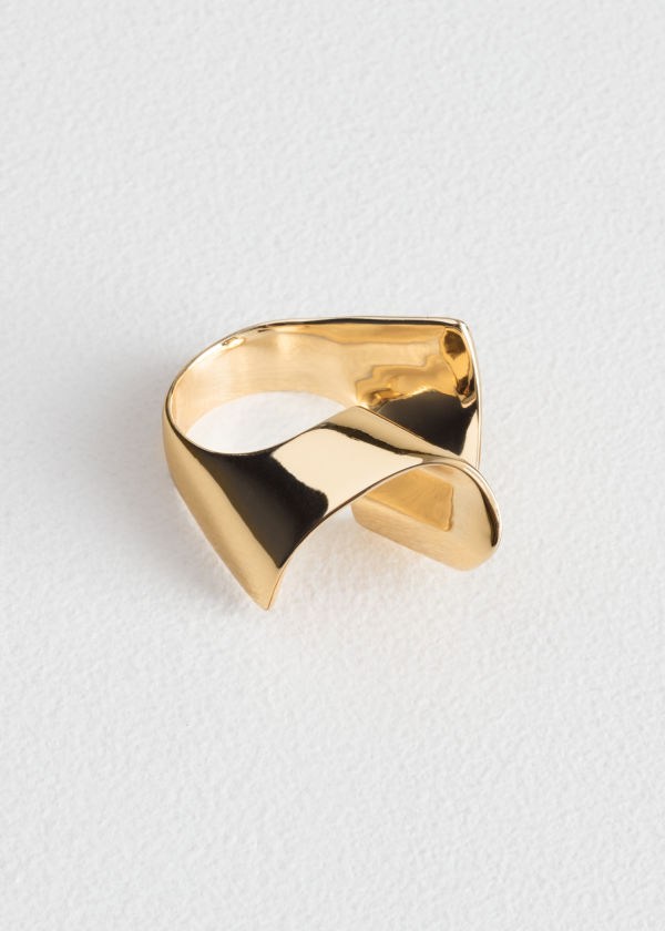 Front image of Stories ripple wave ring in gold