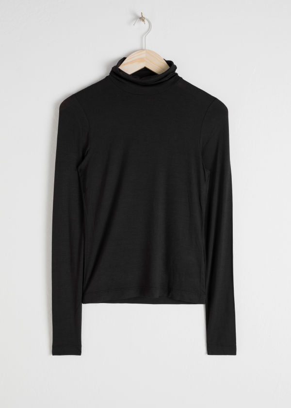 Fitted Stretch Turtleneck