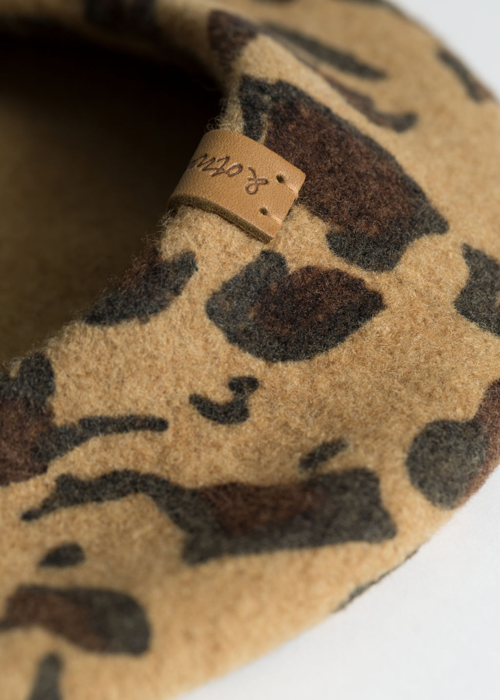 Back image of Stories leopard wool blend beret in beige