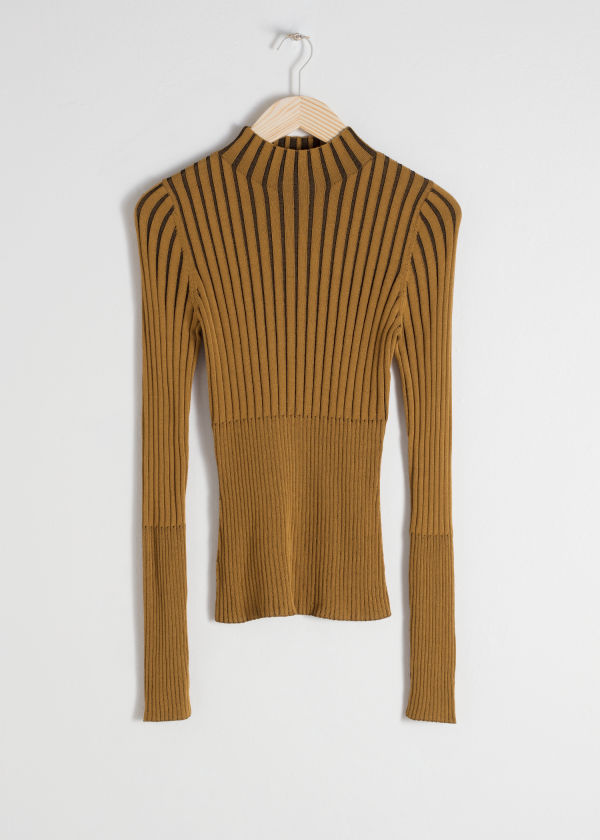 Fitted Ribbed Turtleneck