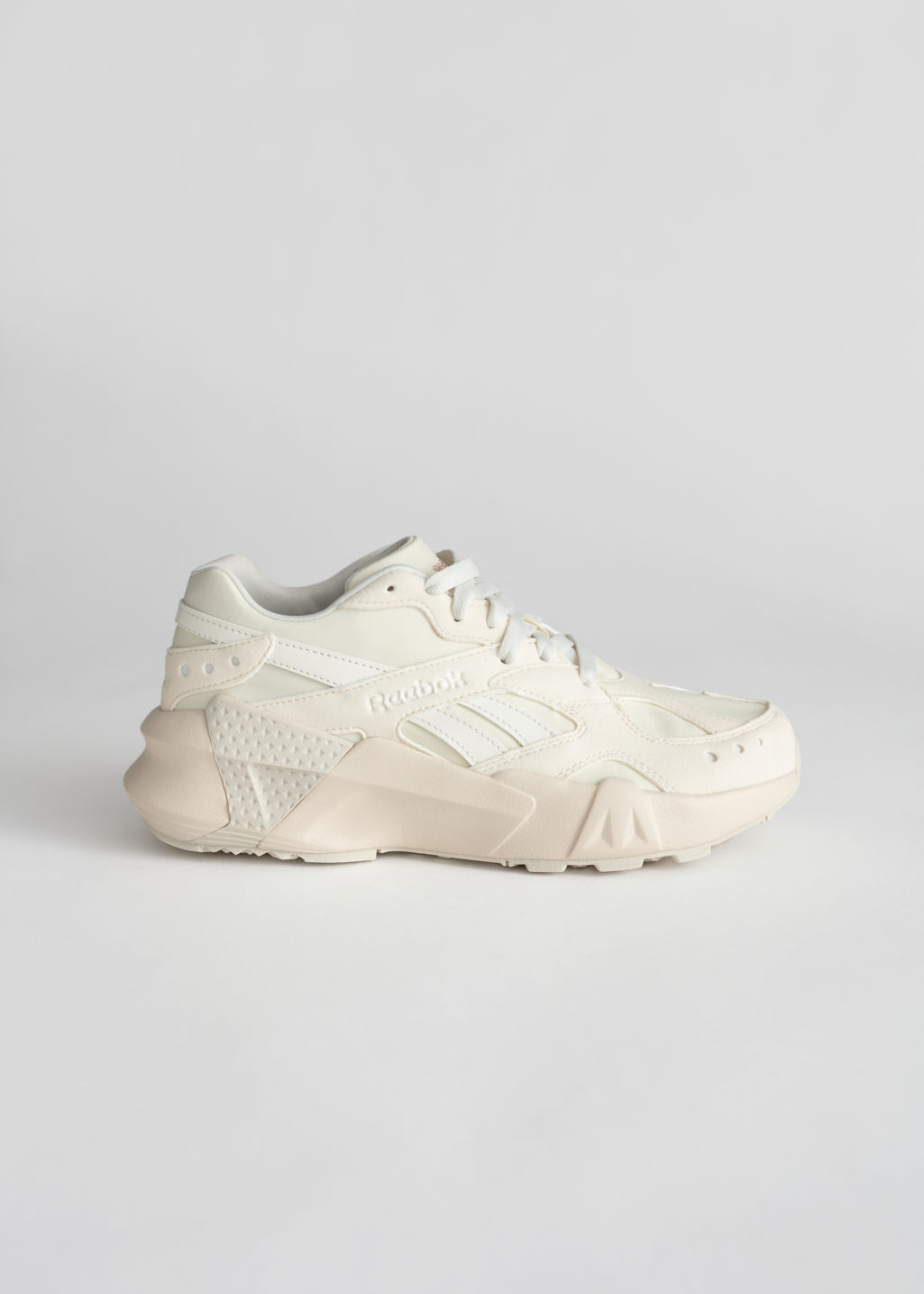 Front image of Stories reebok aztrek in white