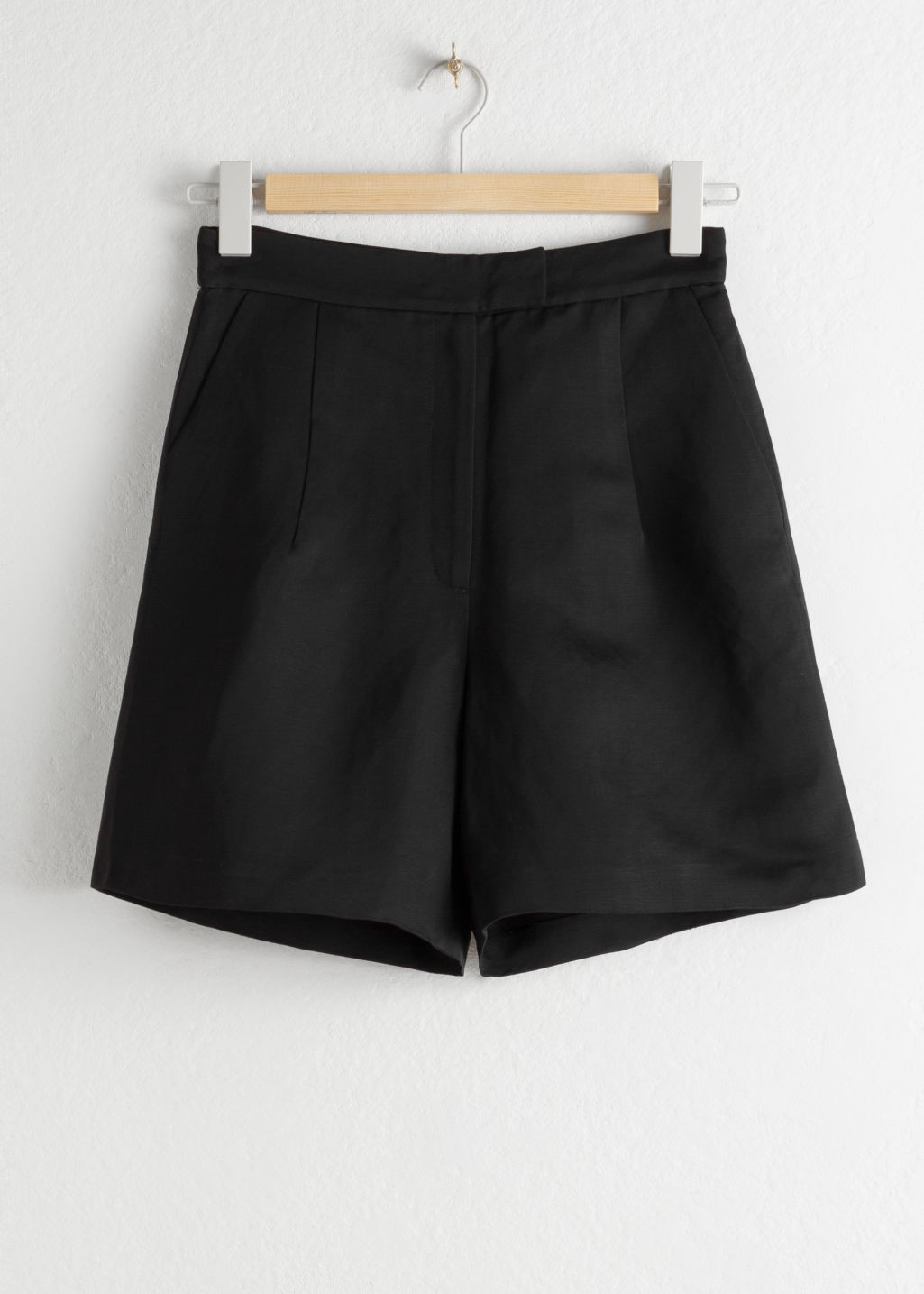 StillLife Front Image of Stories High Waisted Linen Blend Shorts in Black