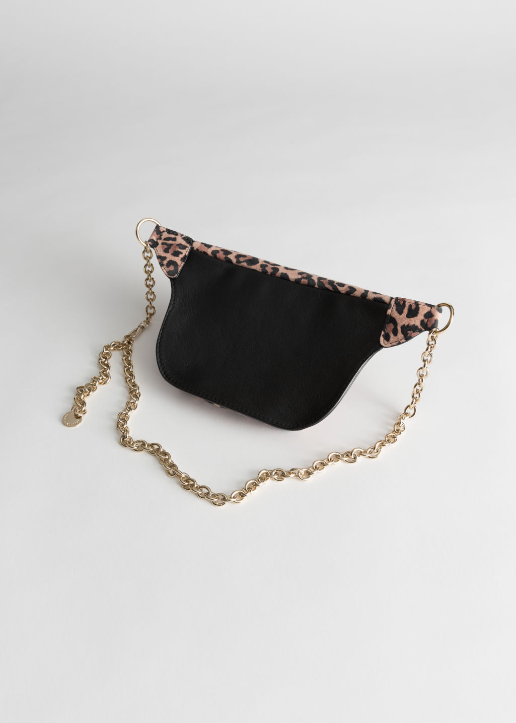 Back image of Stories leopard chain beltbag in beige
