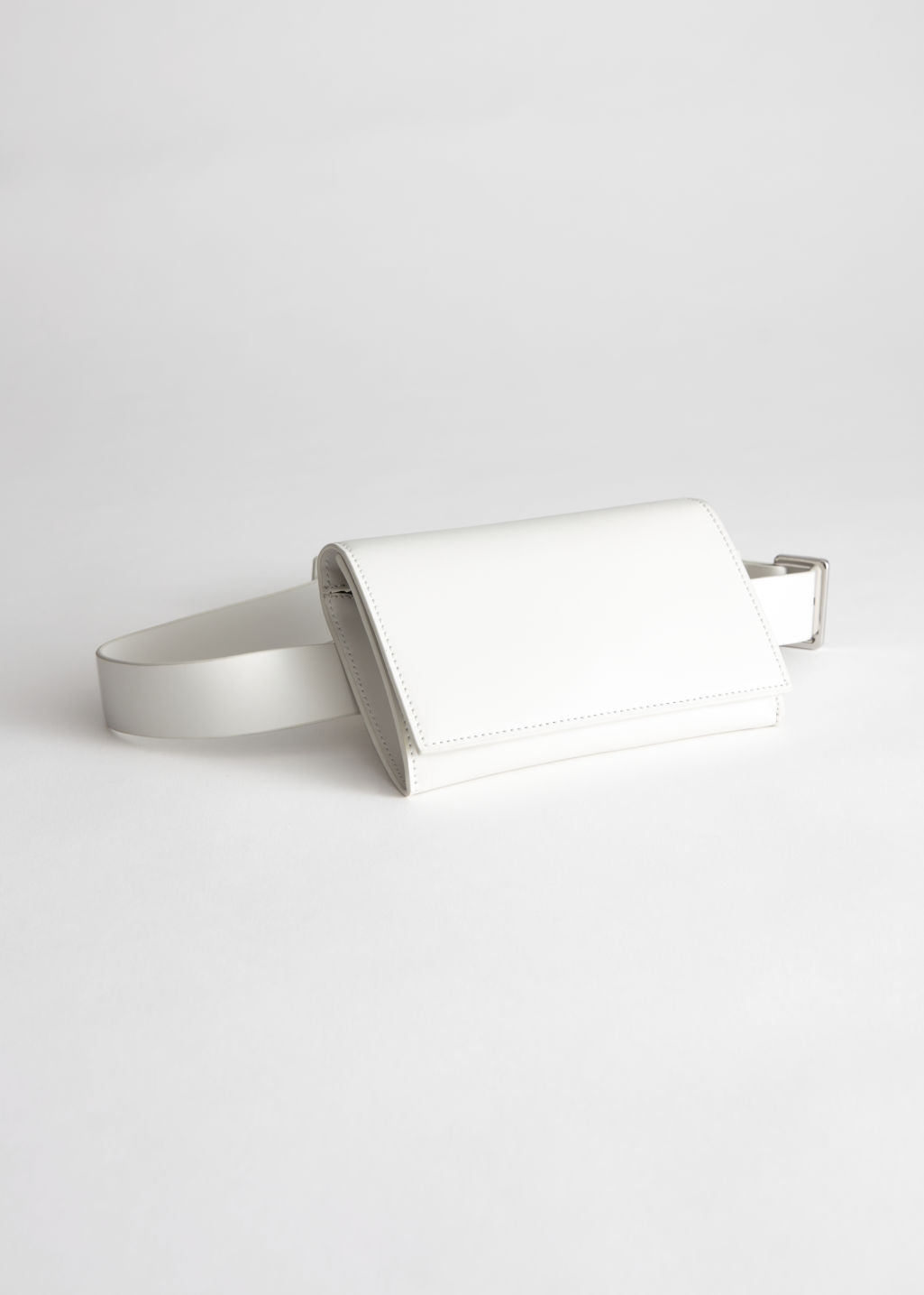 Front image of Stories leather beltbag in white