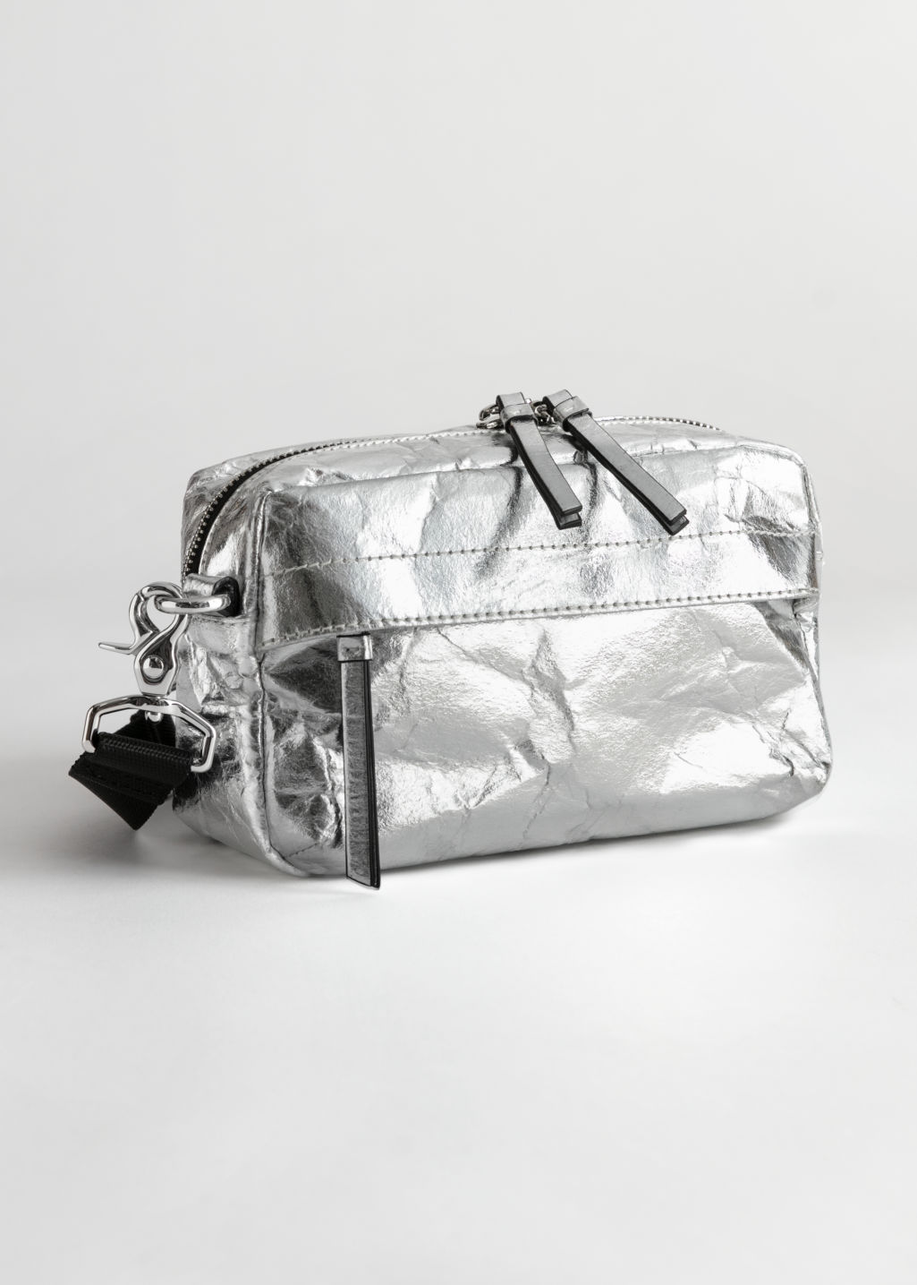 StillLife Front Image of Stories Metallic Textured Crossbody Bag in Silver