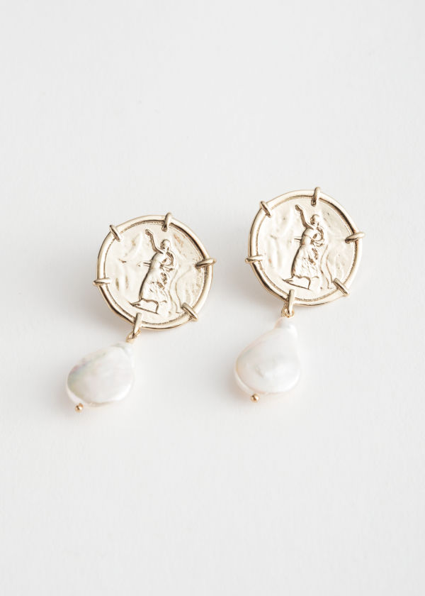 Dangling Pearl Pendant Earrings
