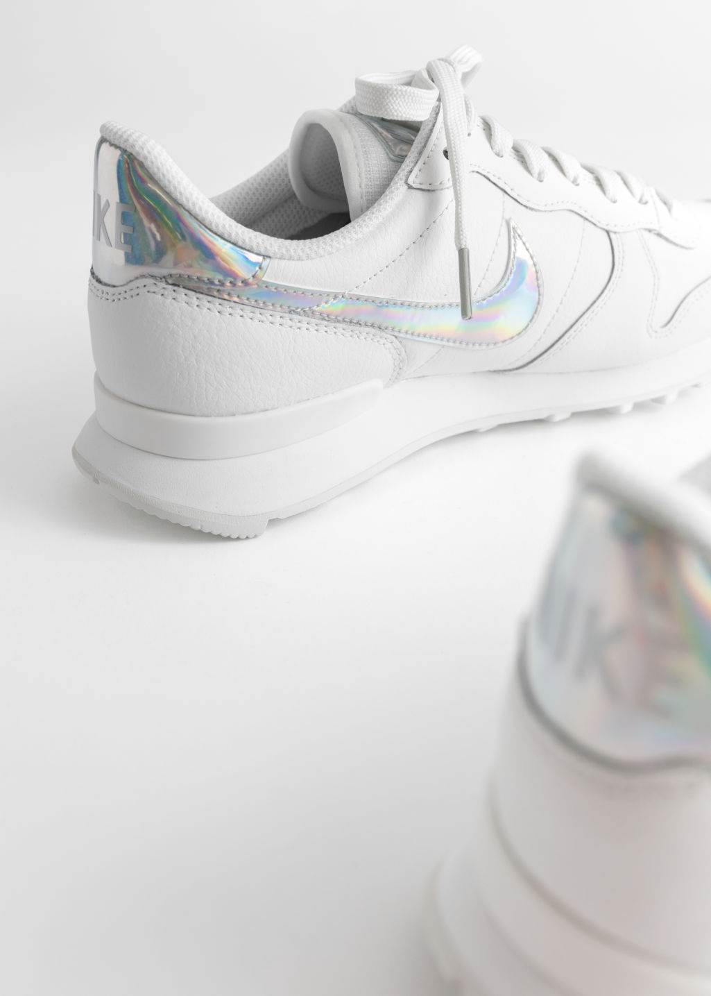 Back image of Stories nike internationalist in white