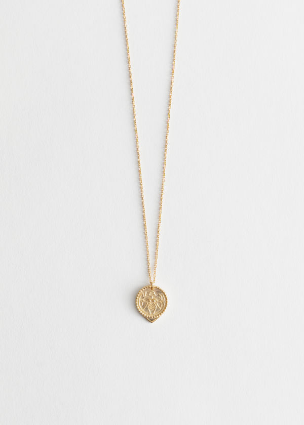 Engraved Pendant Chain Necklace