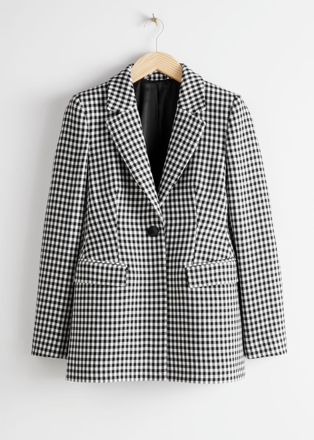StillLife Front Image of Stories Tailored Gingham Blazer in Black