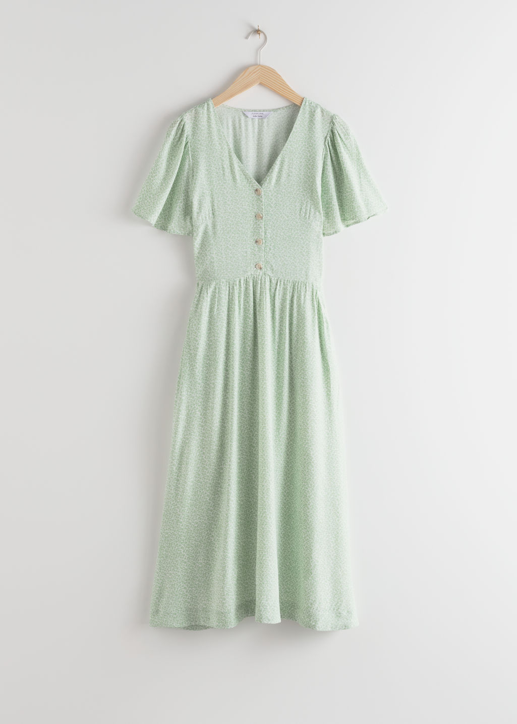 StillLife Front Image of Stories Gathered Flutter Sleeve Maxi Dress in Green