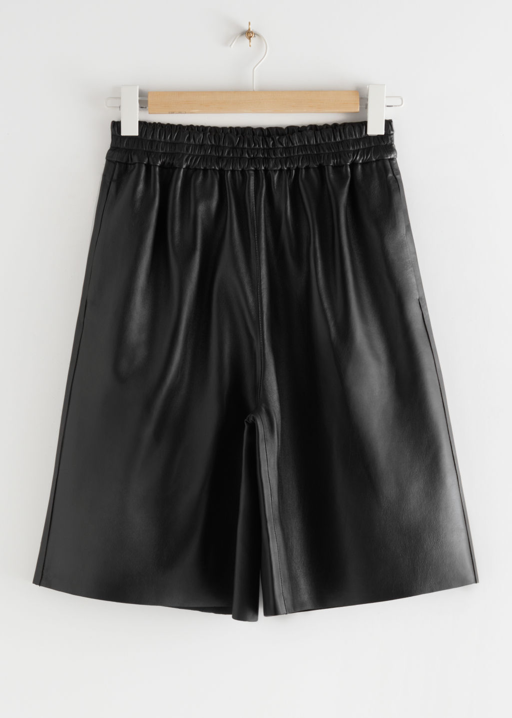 StillLife Front Image of Stories Pull-On Leather Shorts in Black