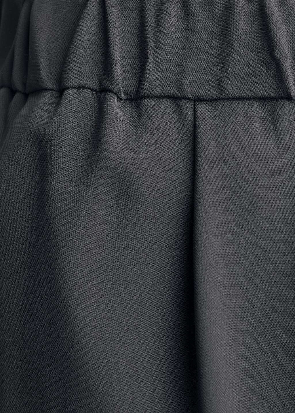 Detailed image of Stories twill shorts in black