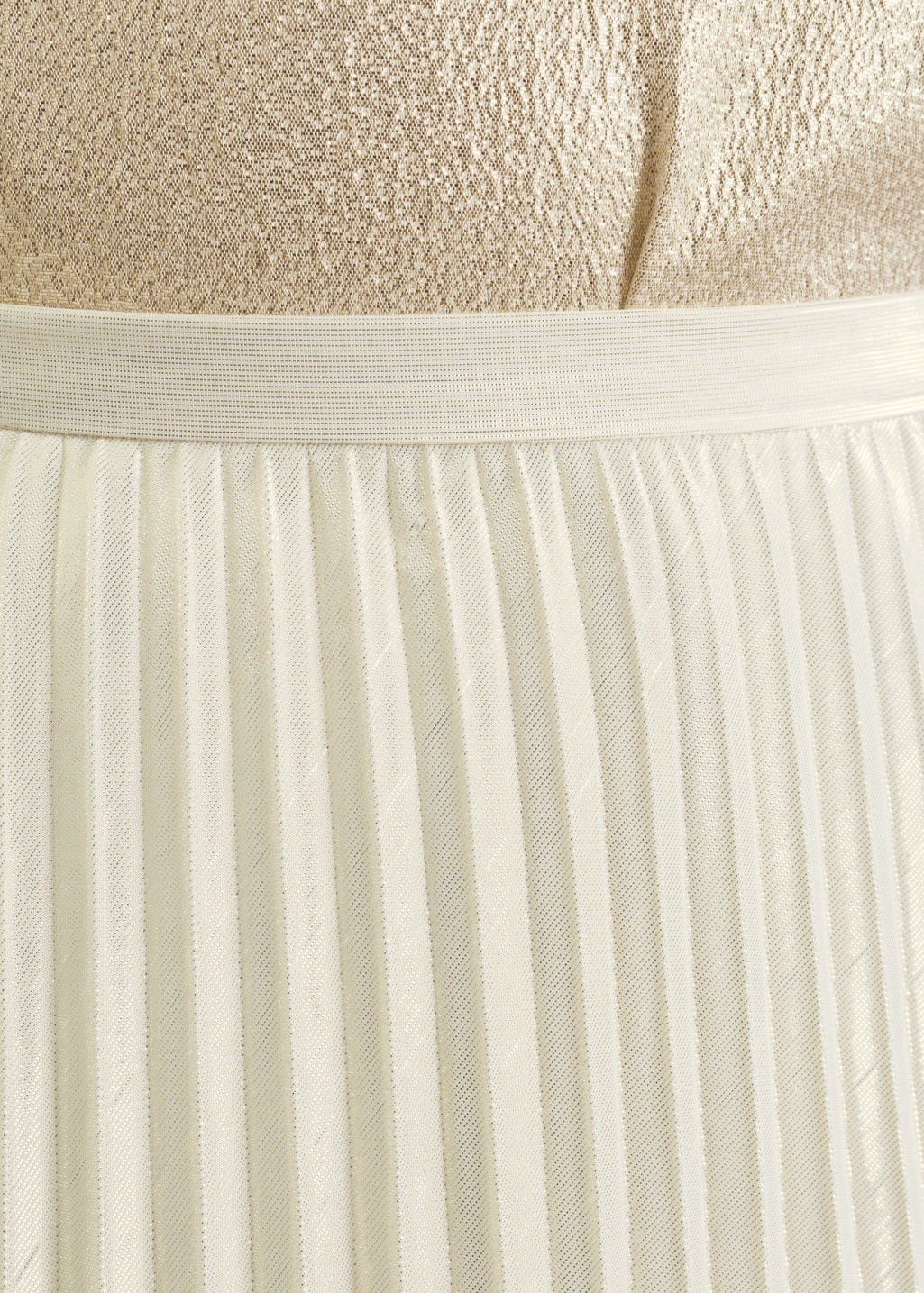 Detailed image of Stories pleated skirt in gold