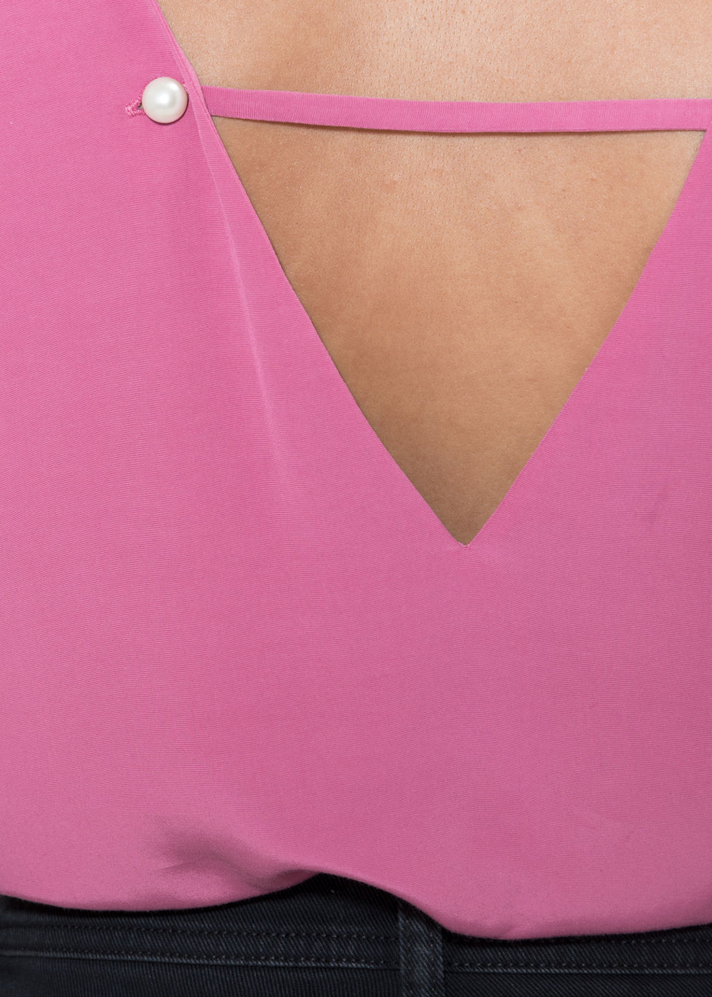 Detailed image of Stories v-neck crop top in pink