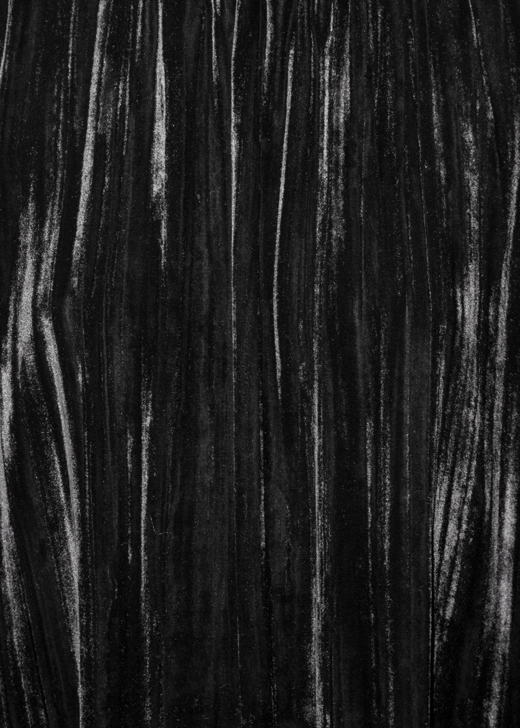 Detailed image of Stories wrinkly velvet dress in black
